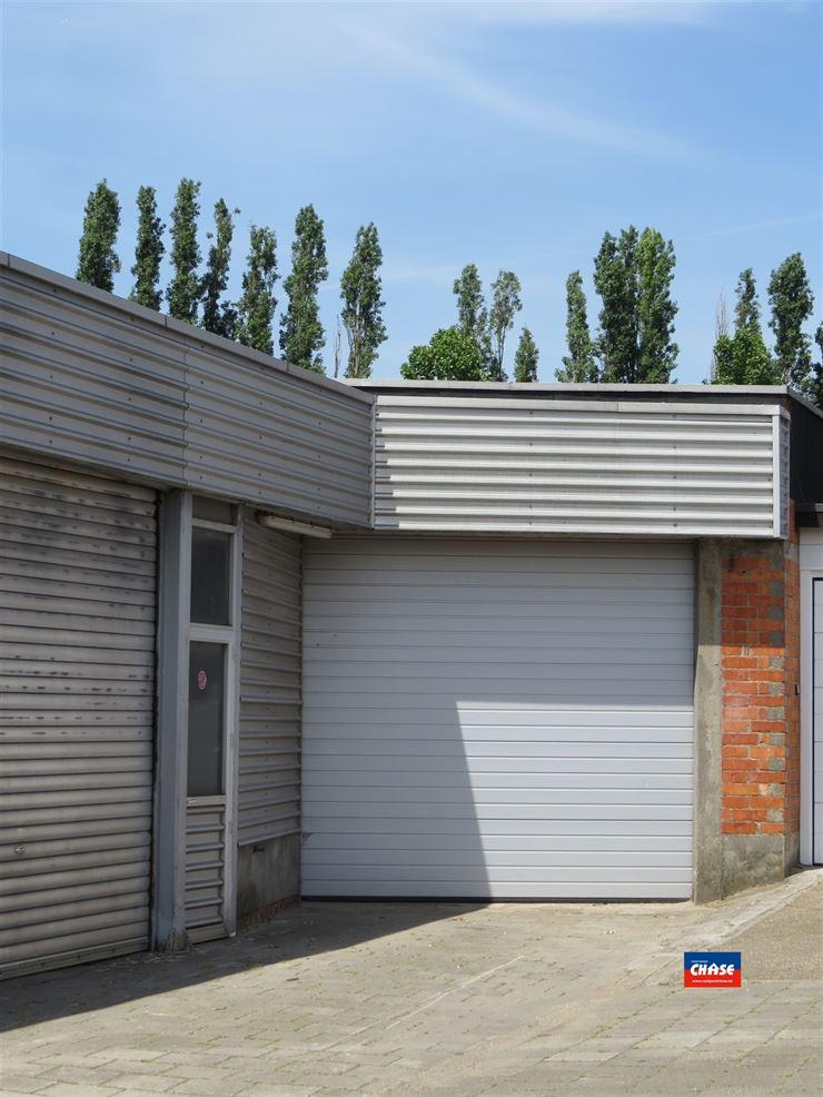 Foto 2 : Industrieel gebouw te 2620 HEMIKSEM (België) - Prijs € 165.000