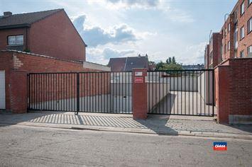 Foto 1 : Garage box te 2660 HOBOKEN (België) - Prijs € 25.000
