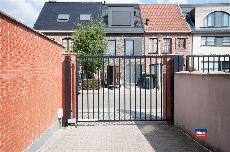 Foto 5 : Garage box te 2660 HOBOKEN (België) - Prijs € 25.000