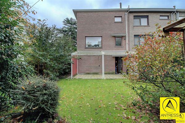 Huis te 2100 DEURNE (België) - Prijs