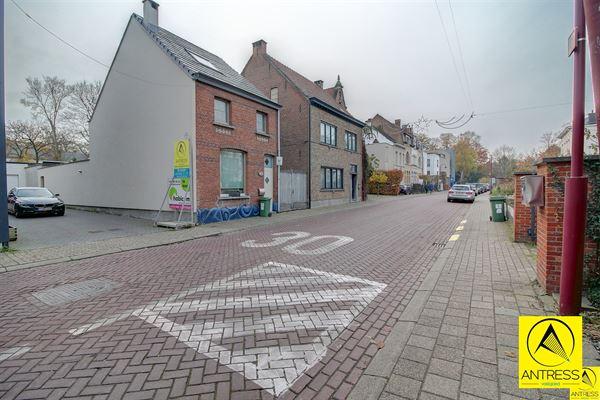 Parking - binnenstaanplaats te 2530 BOECHOUT (België) - Prijs € 75