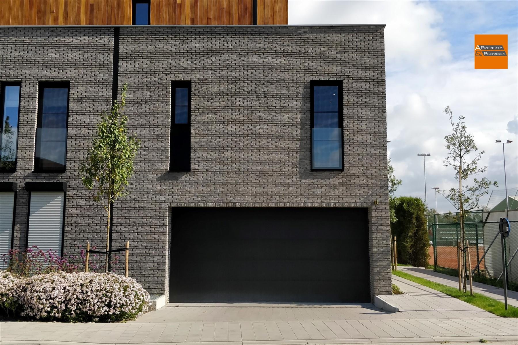Image 1 : Parking/Boxe de garage à 2860 Sint-Katelijne-Waver (Belgique) - Prix 14.000 €