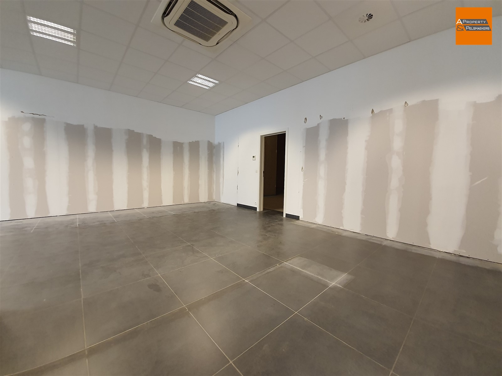 Image 8 : Commercial property IN 3010 KESSEL-LO (Belgium) - Price 3.542 €