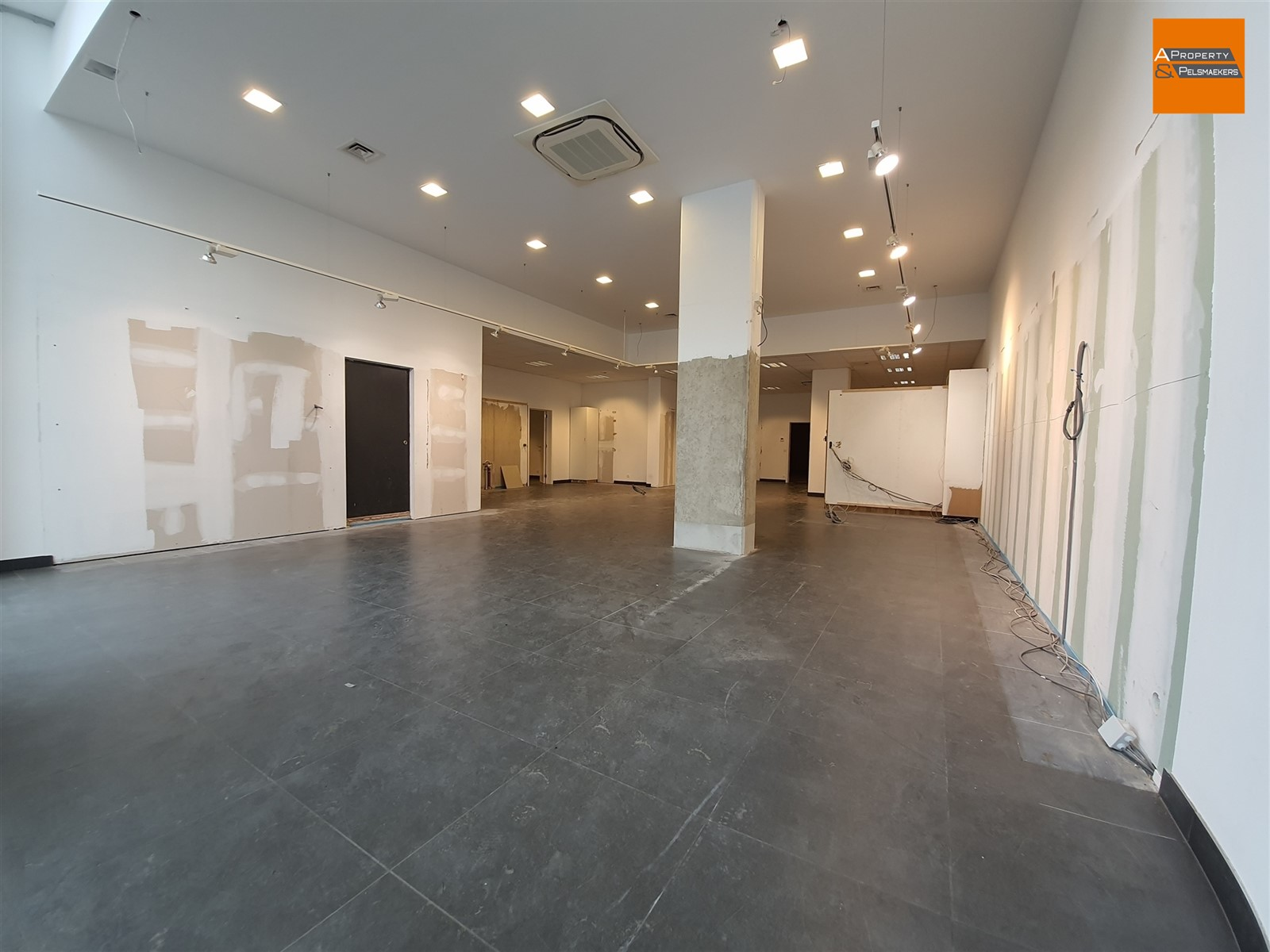 Image 7 : Commercial property IN 3010 KESSEL-LO (Belgium) - Price 3.542 €