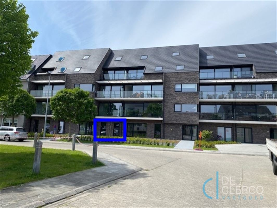 Foto 1 : Burelen te 9080 LOCHRISTI (België) - Prijs € 650