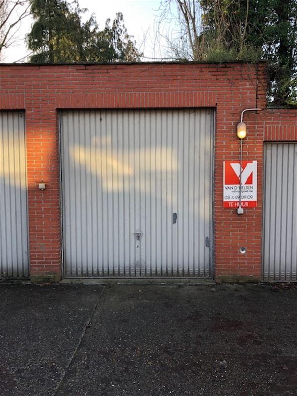 Foto 1 : gesloten garagebox te 2650 EDEGEM (België) - Prijs € 115