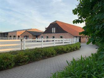 Hippisch complex in Weelde