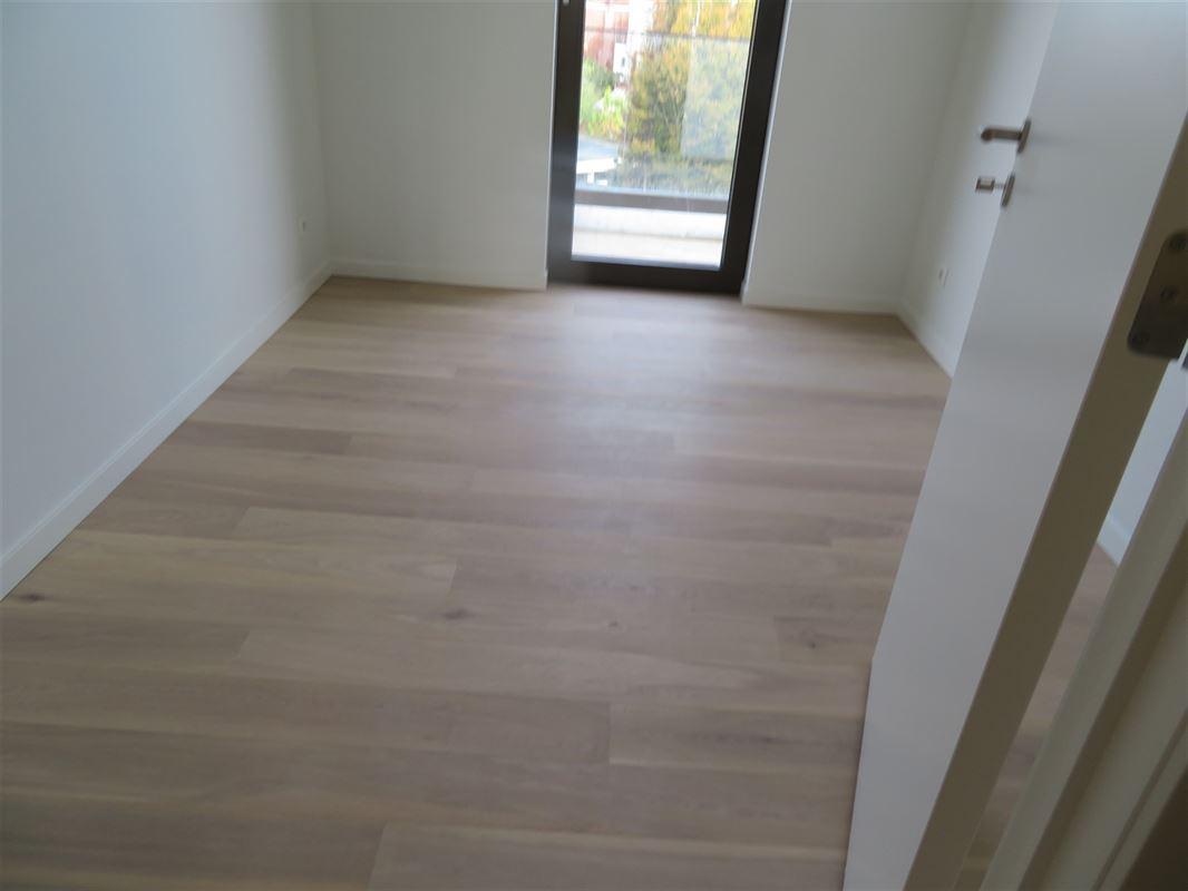 Image 10 : Apartment IN 2600 Berchem (Belgium) - Price 1.500 €