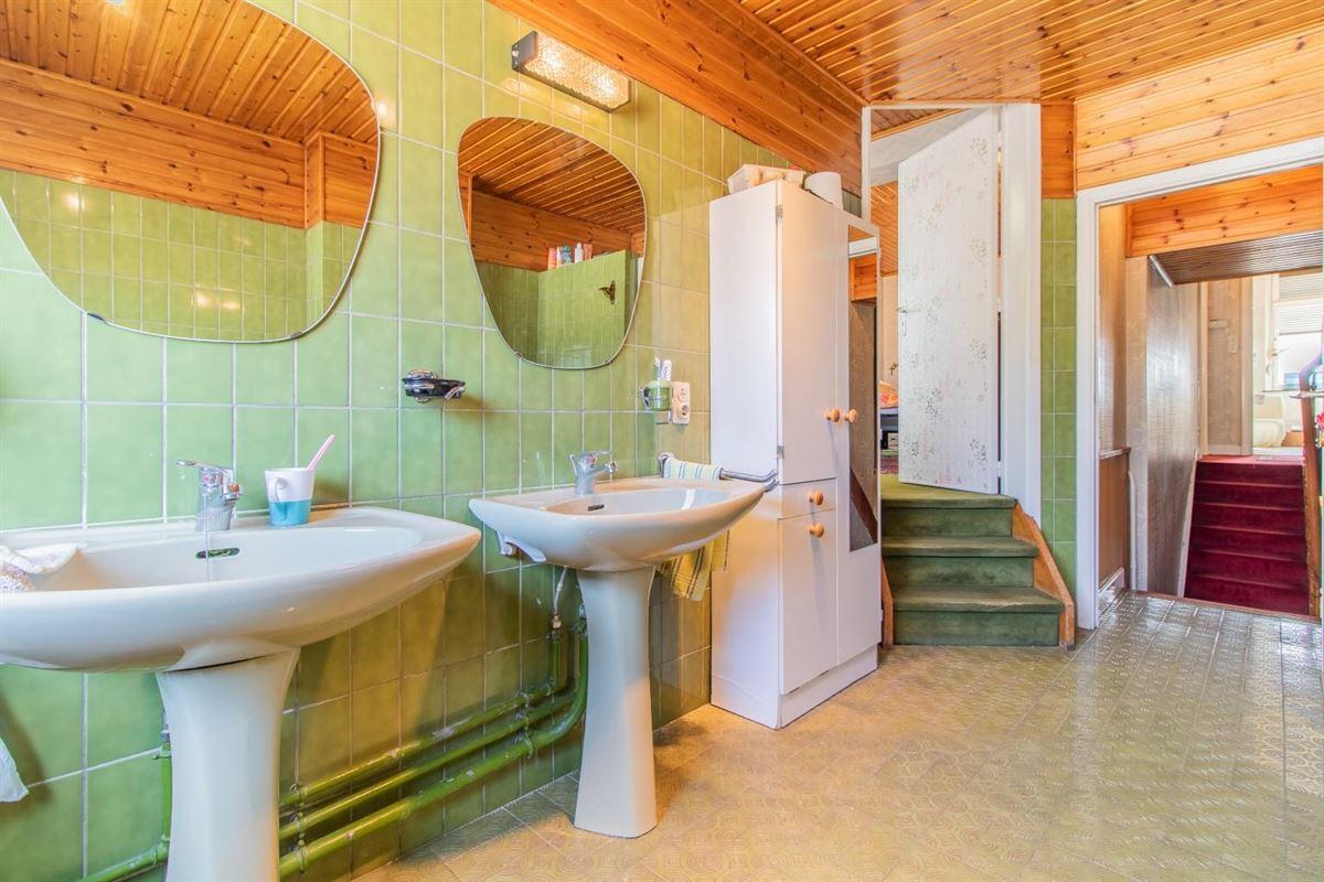 *VENDU*Spacieuse maison 5 chambres et garage située à Liège