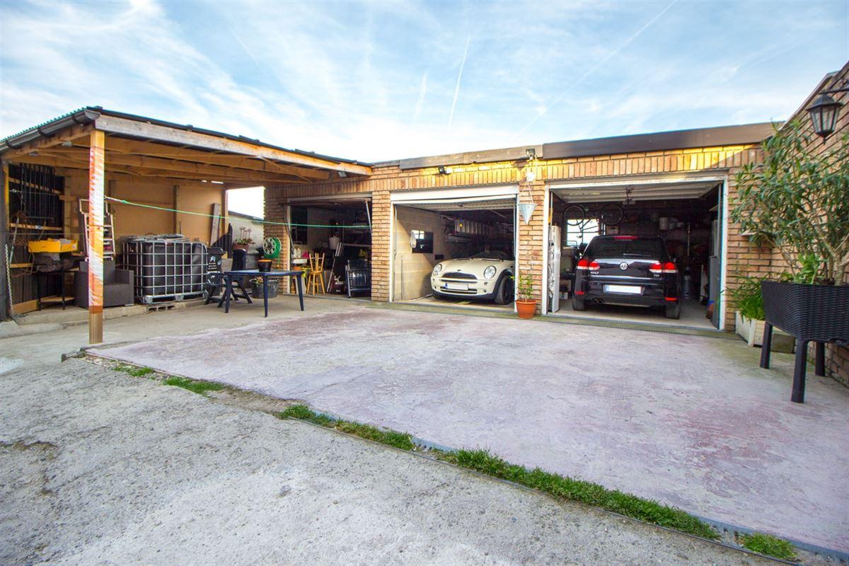 **OPTION**Lot de 3 garages sur Saint-Nicolas