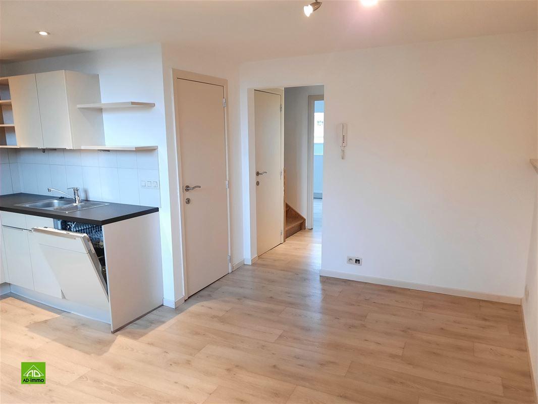 Image 4 : duplex à 5000 NAMUR (Belgique) - Prix 620 €