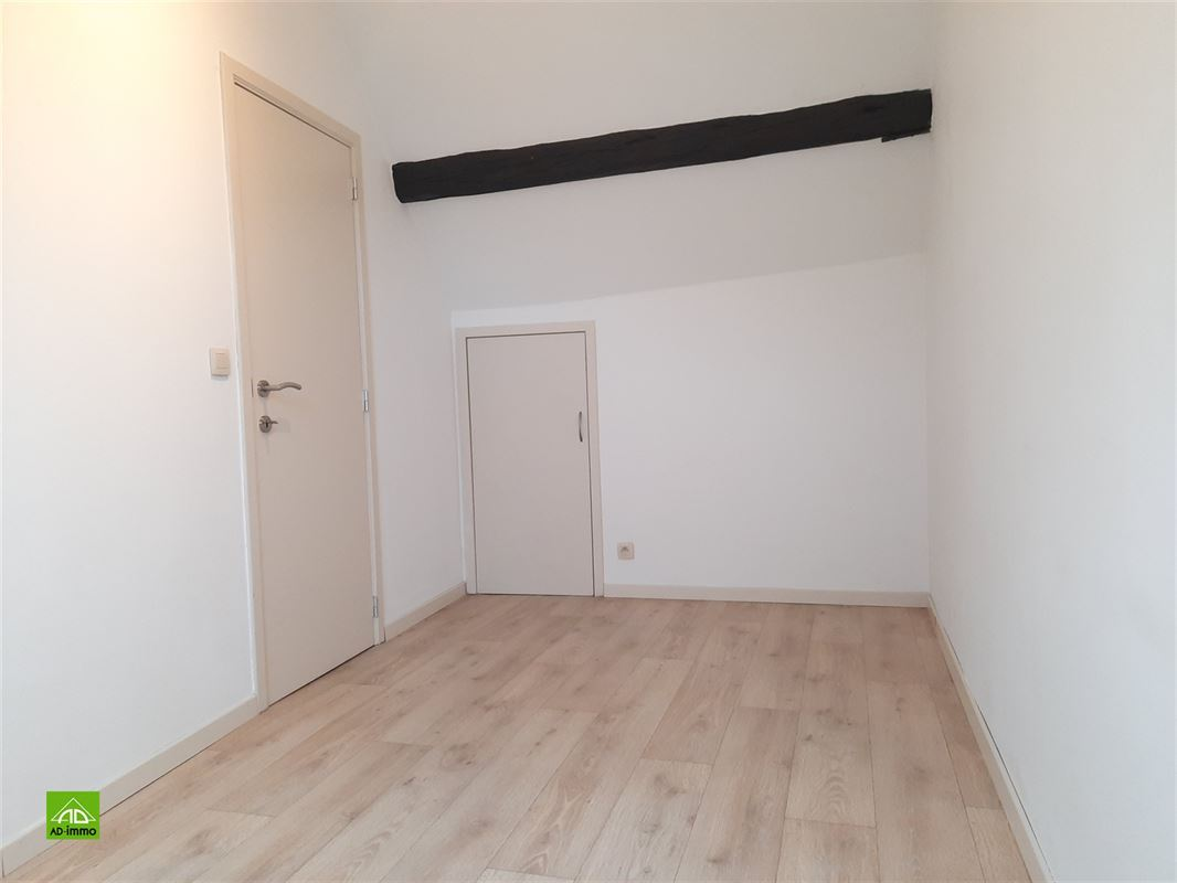 Image 7 : duplex à 5000 NAMUR (Belgique) - Prix 620 €