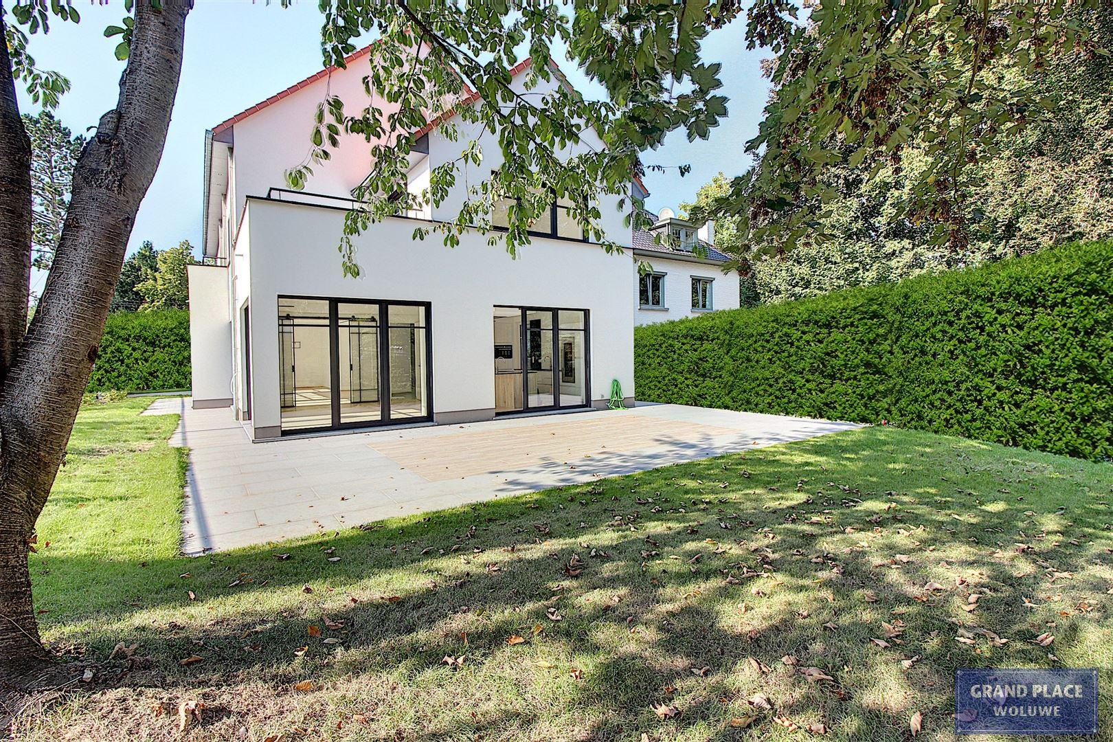 Image 9 : Villa contemporaine à 1150 WOLUWÉ-SAINT-PIERRE (Belgique) - Prix 1.875.000 €