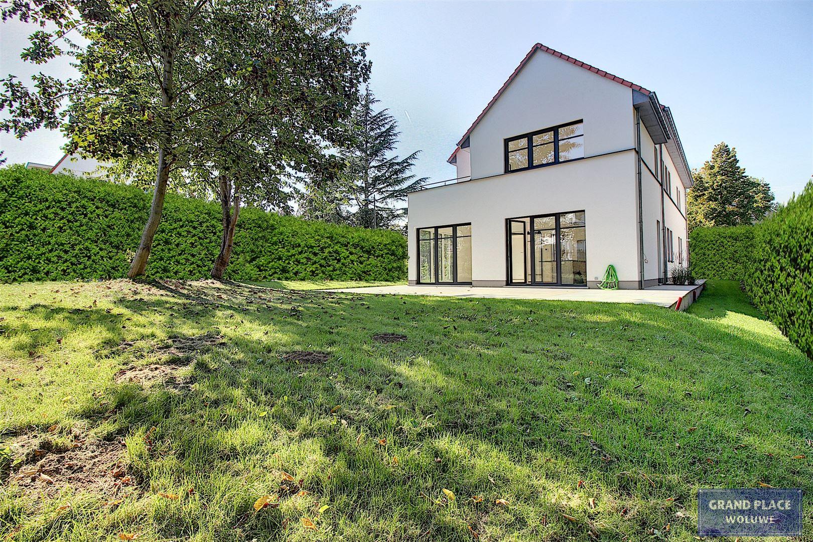 Image 11 : Villa contemporaine à 1150 WOLUWÉ-SAINT-PIERRE (Belgique) - Prix 1.875.000 €