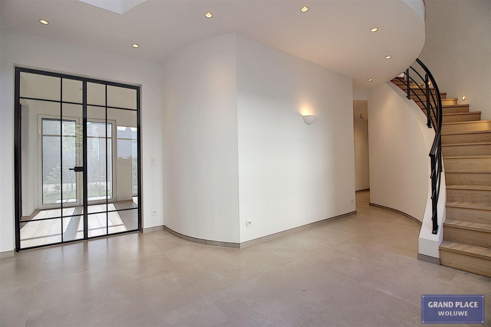 Image 12 : Villa contemporaine à 1150 WOLUWÉ-SAINT-PIERRE (Belgique) - Prix 1.875.000 €