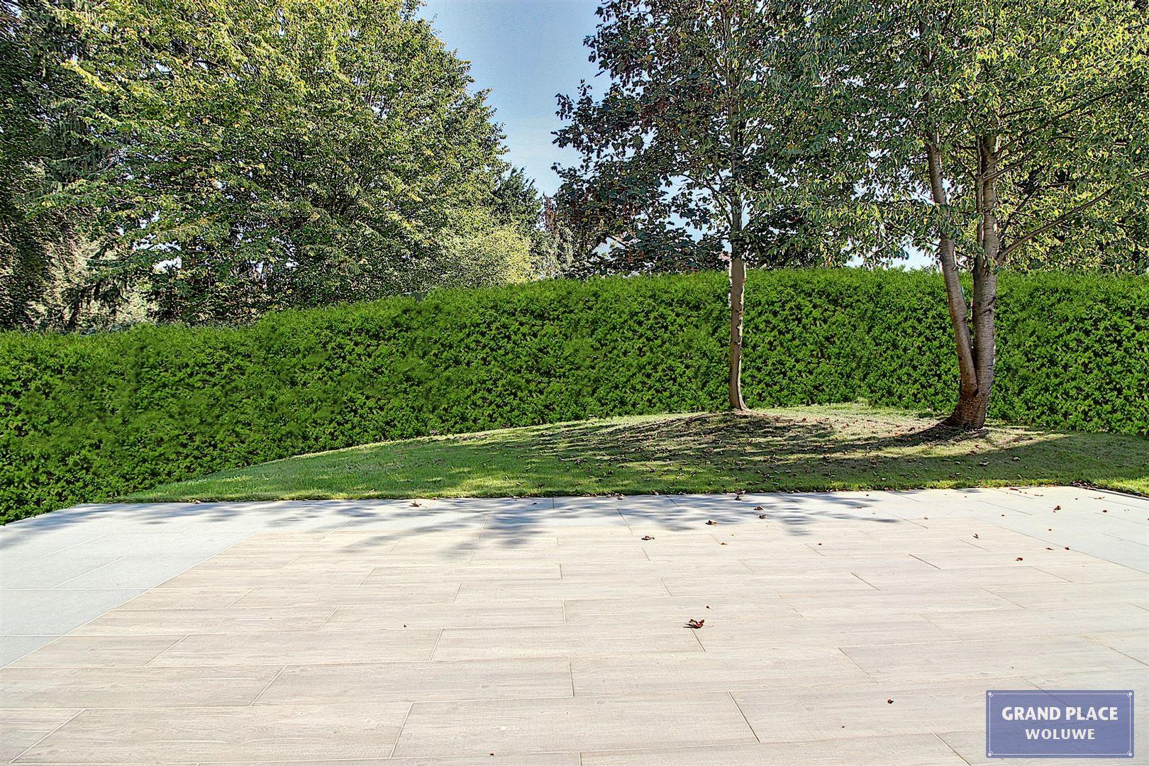 Image 8 : Villa contemporaine à 1150 WOLUWÉ-SAINT-PIERRE (Belgique) - Prix 1.875.000 €
