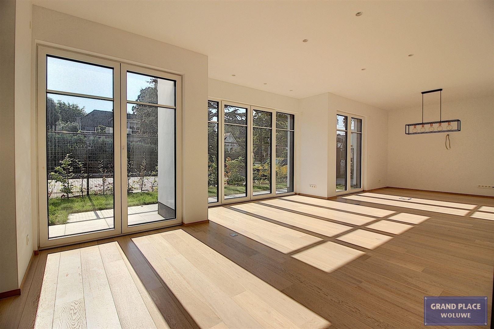 Image 5 : Villa contemporaine à 1150 WOLUWÉ-SAINT-PIERRE (Belgique) - Prix 1.875.000 €
