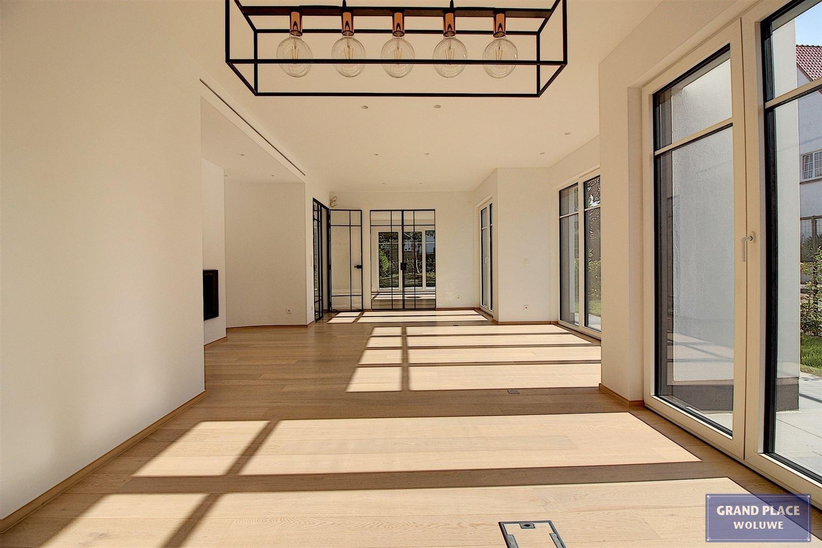 Image 4 : Villa contemporaine à 1150 WOLUWÉ-SAINT-PIERRE (Belgique) - Prix 1.875.000 €