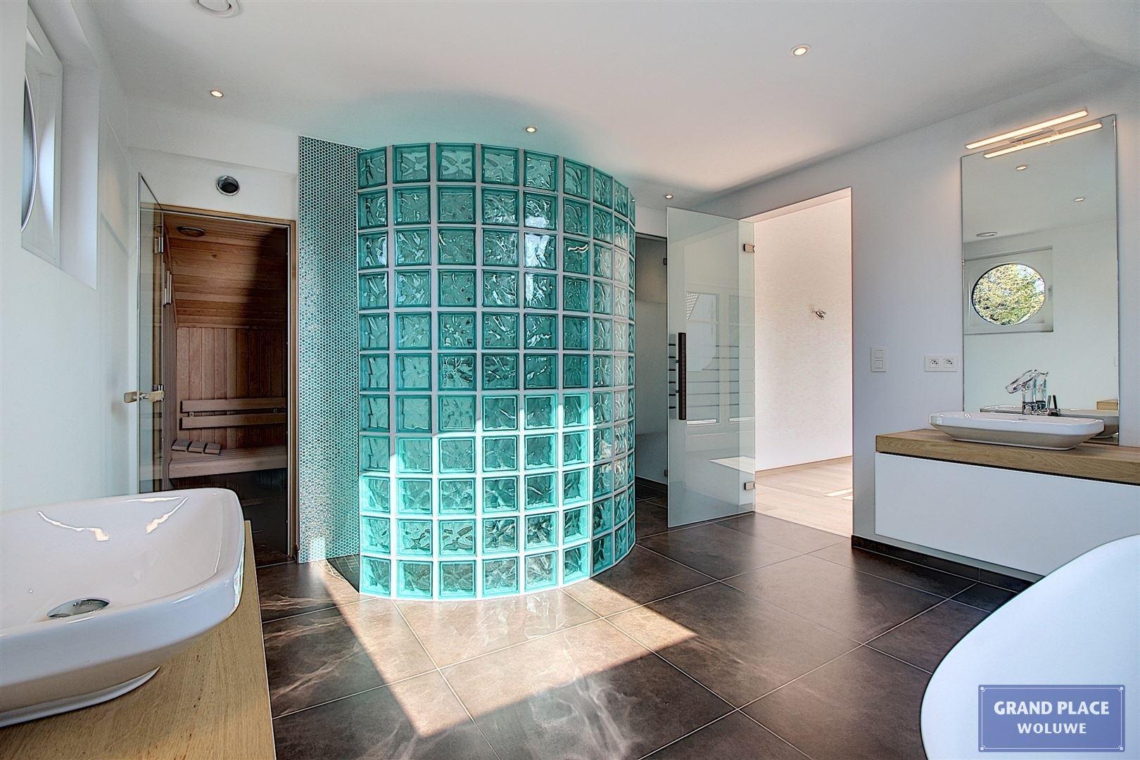 Image 30 : Villa contemporaine à 1150 WOLUWÉ-SAINT-PIERRE (Belgique) - Prix 1.875.000 €