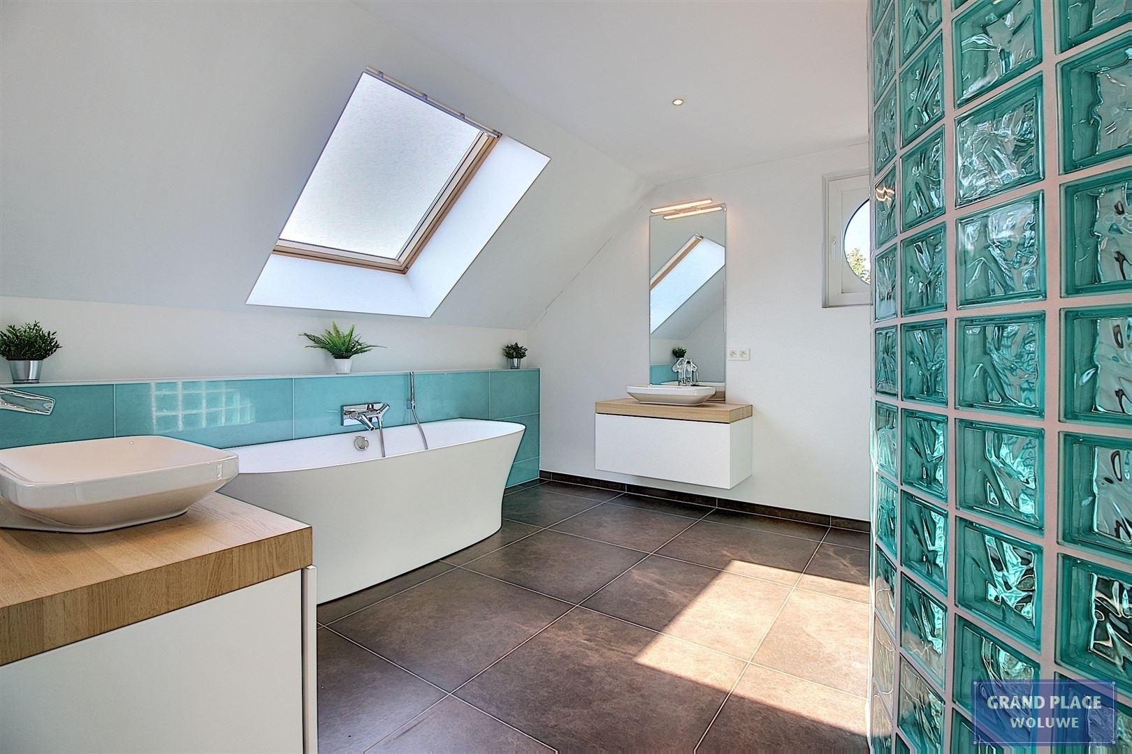 Image 29 : Villa contemporaine à 1150 WOLUWÉ-SAINT-PIERRE (Belgique) - Prix 1.875.000 €