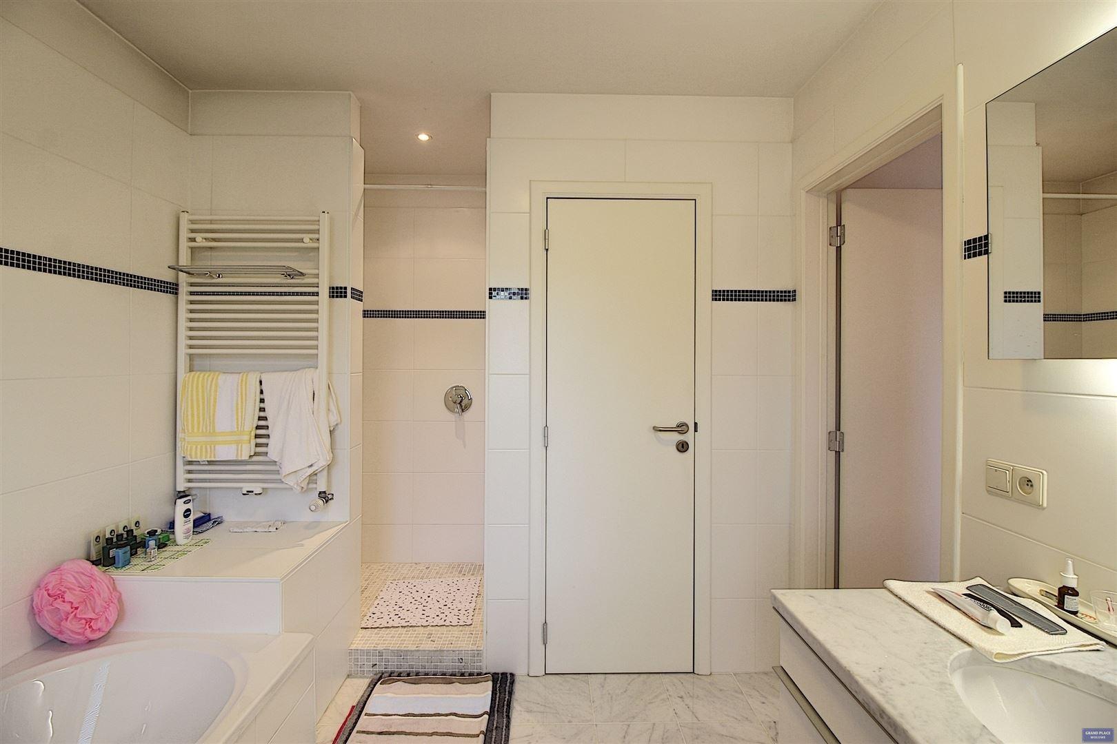 Image 22 : Villa à 1150 WOLUWÉ-SAINT-PIERRE (Belgique) - Prix 1.295.000 €