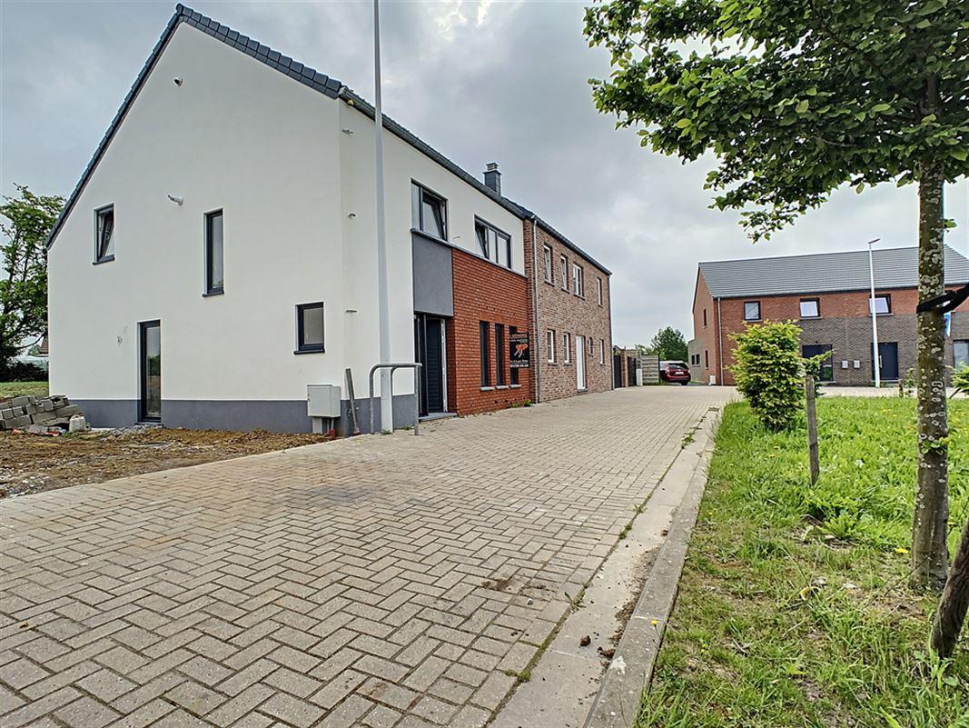 Image 2 : Maison à 6530 THUIN (Belgique) - Prix 285.000 €
