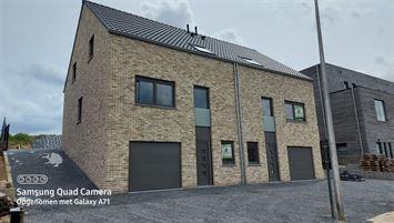 Ruimen NB bel-etage met 4 slp en inpandige garage te koop te GINGELOM (3890)