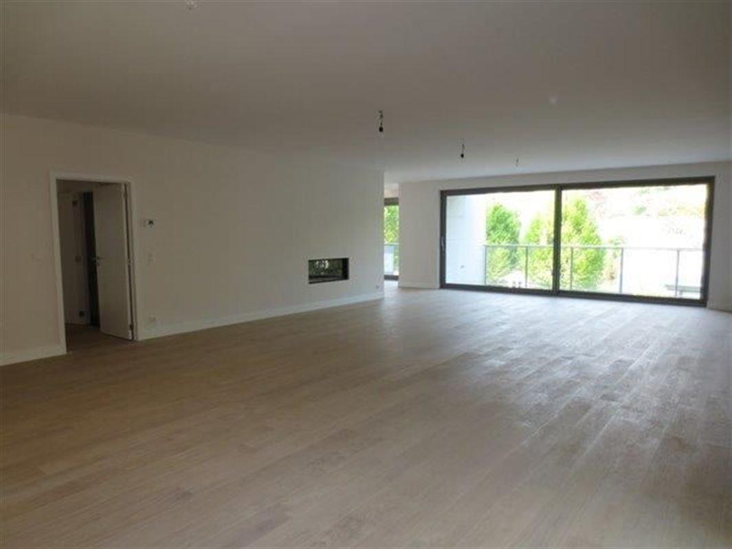 Image 3 : Appartement à 1180 UCCLE (Belgique) - Prix 4.700 €