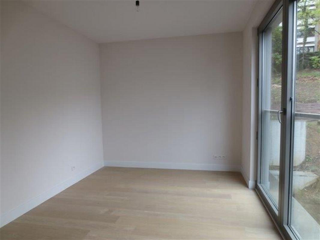 Image 9 : Appartement à 1180 UCCLE (Belgique) - Prix 4.700 €