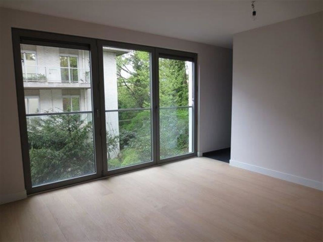 Image 7 : Appartement à 1180 UCCLE (Belgique) - Prix 4.700 €