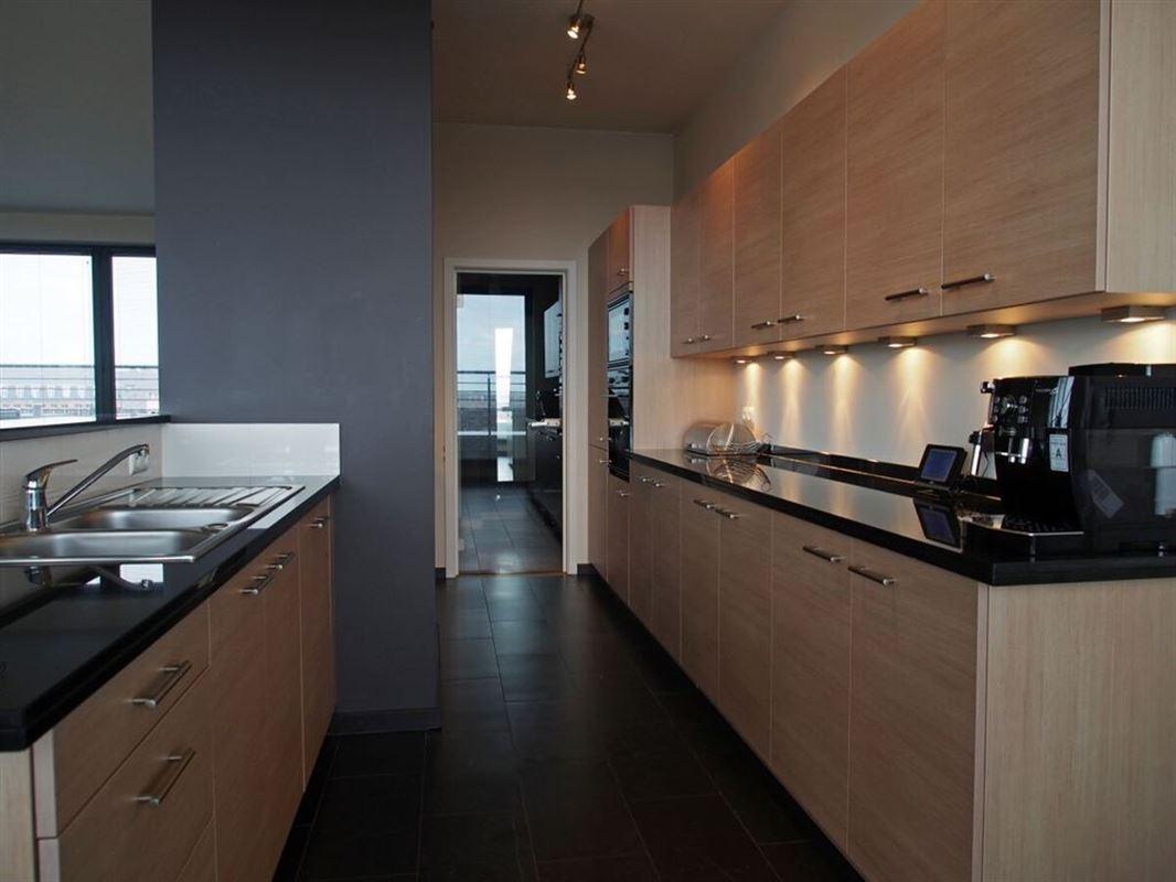 Image 4 : Appartement meublé à 1030 SCHAERBEEK (Belgique) - Prix 2.950 €