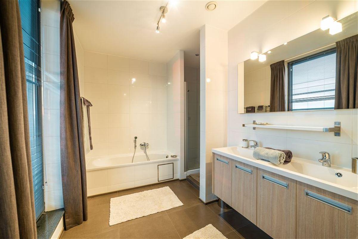 Image 7 : Appartement meublé à 1030 SCHAERBEEK (Belgique) - Prix 2.950 €