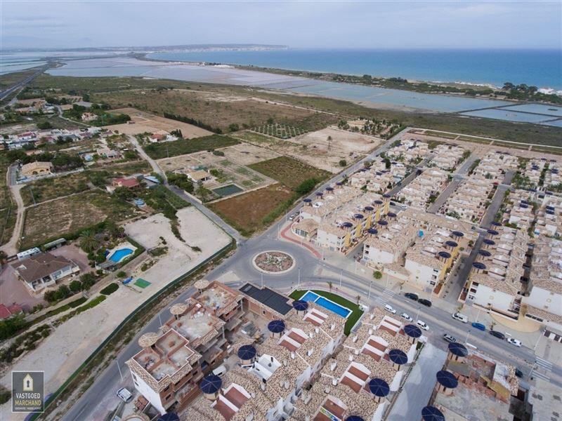 Foto 7 : Appartement te  LA MARINA EL PINET (Spanje) - Prijs € 108.000