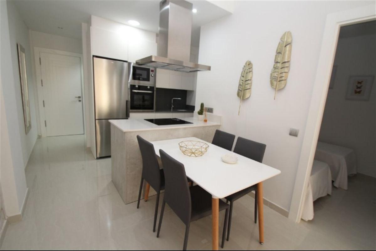 Image 6 : Appartement à  TORREVIEJA (Espagne) - Prix 109.900 €
