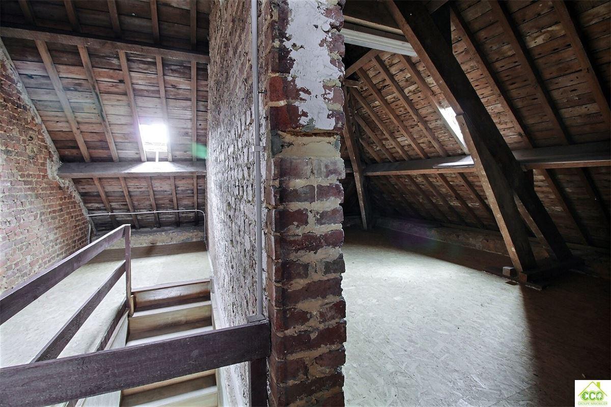 Image 11 : Maison villageoise à 5600 SURICE (Belgique) - Prix 615 €