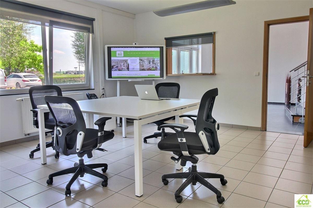 Image 2 : Immeuble de bureaux à 4300 WAREMME (Belgique) - Prix 695 €