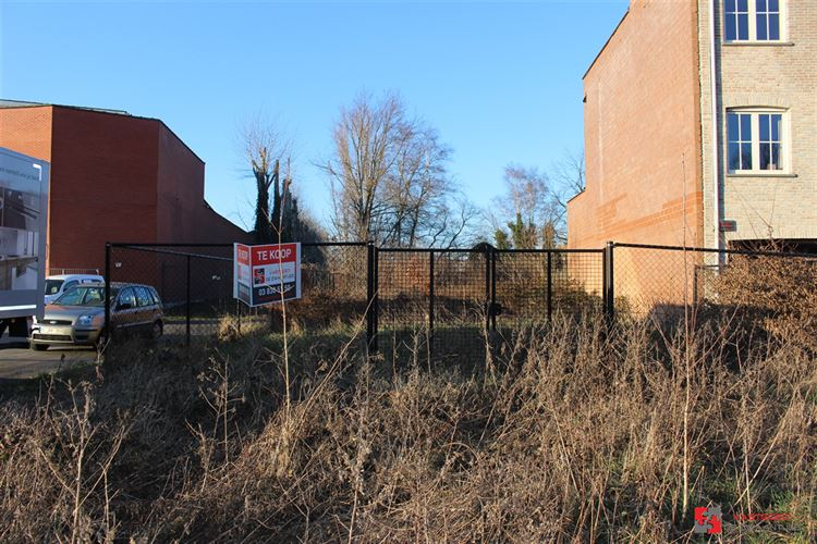 Foto 1 : Bouwgrond te 2620 HEMIKSEM (België) - Prijs € 180.000