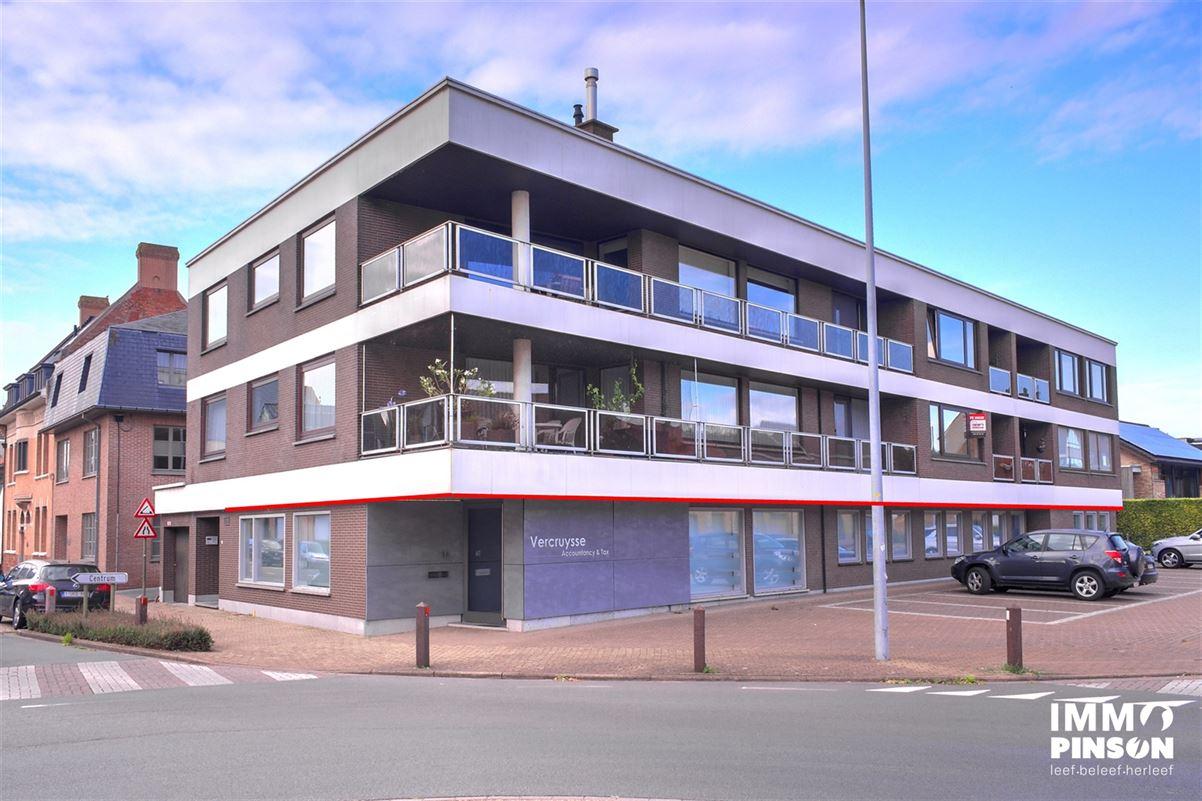 Foto 1 : kantoren te VEURNE (8630) - België