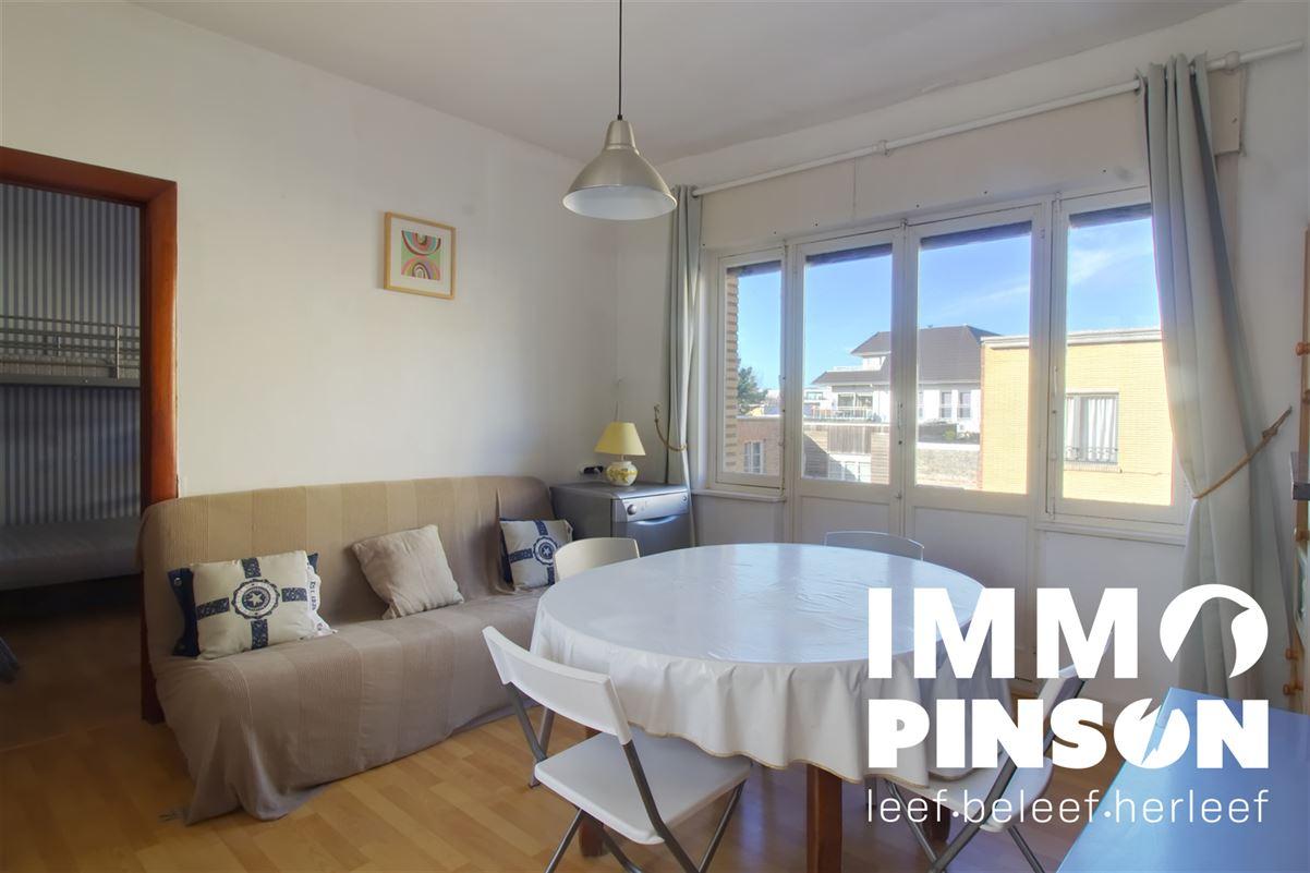 Foto 1 : appartement te SINT-IDESBALD (8670) - België
