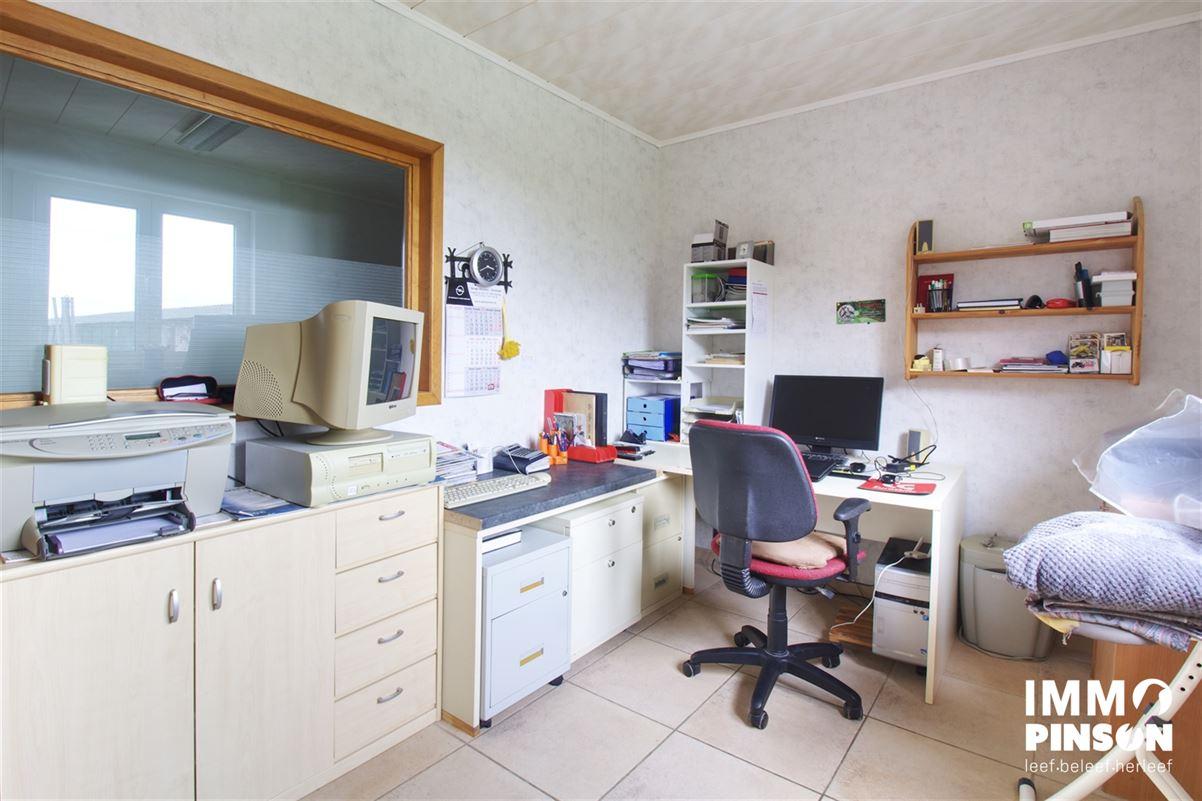 Foto 4 : boerderij te OOSTVLETEREN (8640) - België