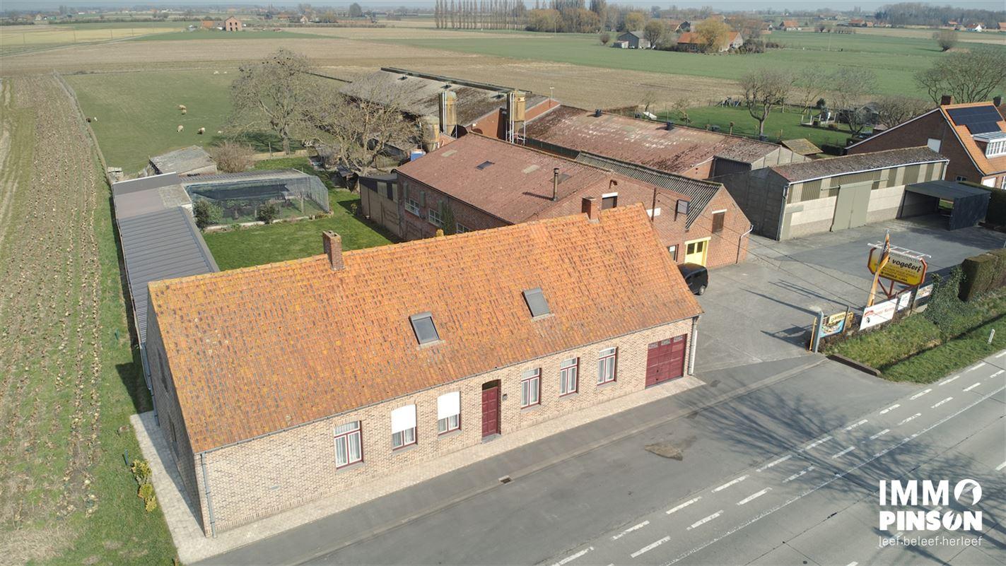 Foto 2 : boerderij te OOSTVLETEREN (8640) - België