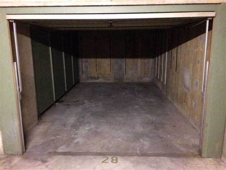 Foto 3 : gesloten garagebox te 1000 BRUSSEL (België) - Prijs € 150