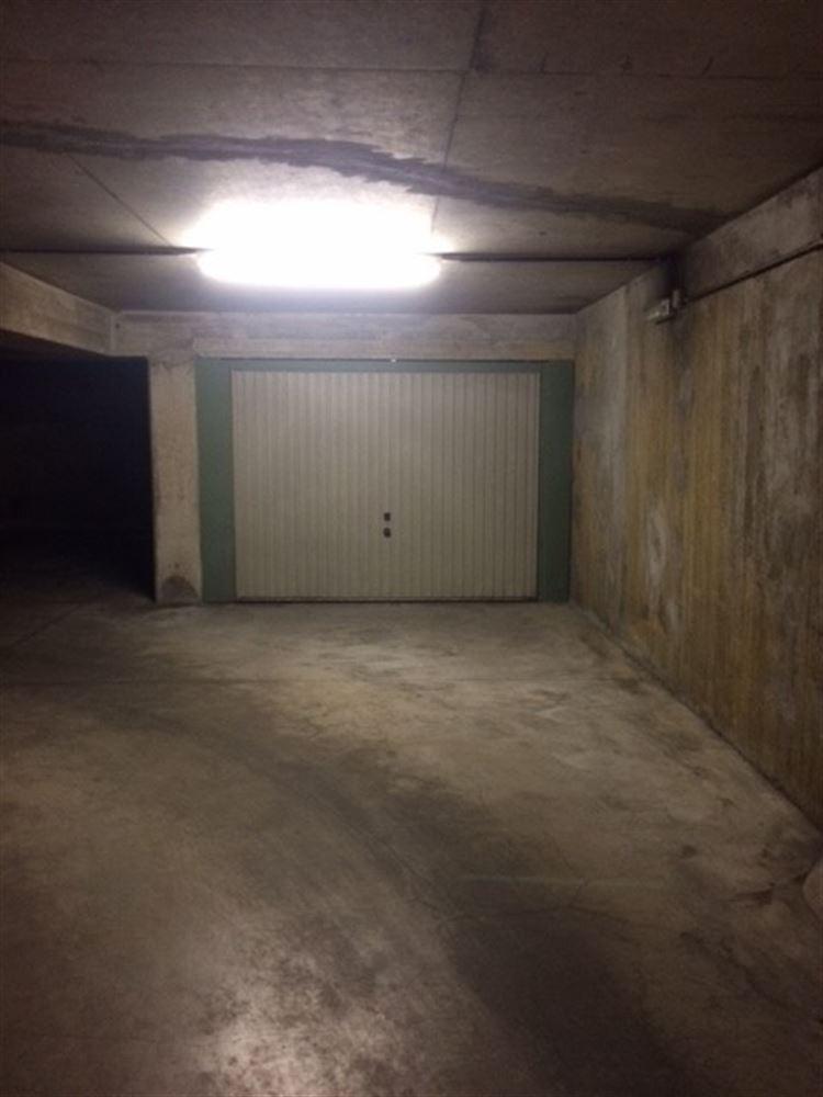 Foto 4 : gesloten garagebox te 1000 BRUSSEL (België) - Prijs € 150