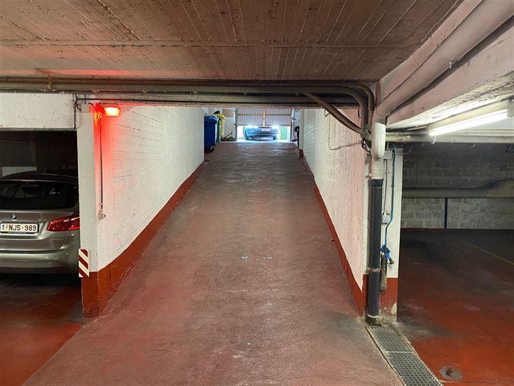 Foto 3 : binnenstaanplaats te 1000 BRUXELLES (België) - Prijs € 130