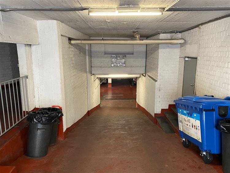 Foto 2 : binnenstaanplaats te 1000 BRUXELLES (België) - Prijs € 130