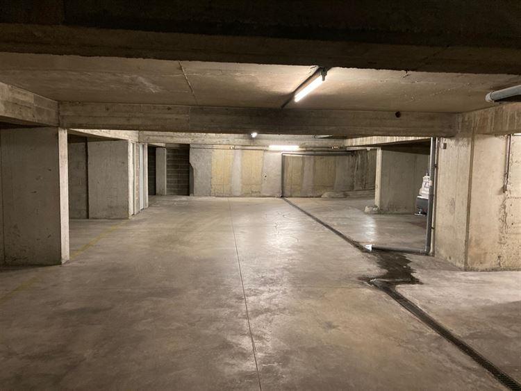 Foto 3 : binnenstaanplaats te 1000 BRUSSEL (België) - Prijs € 90