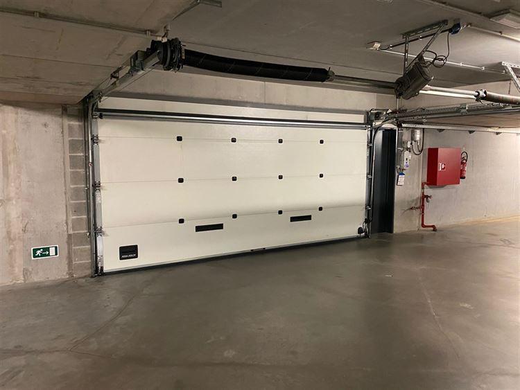 Foto 1 : garage / parking te 1040 ETTERBEEK (België) - Prijs € 34.000