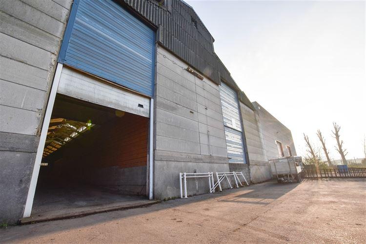 Entrepôt à 7700 MOUSCRON (Belgique) - Prix 850 €
