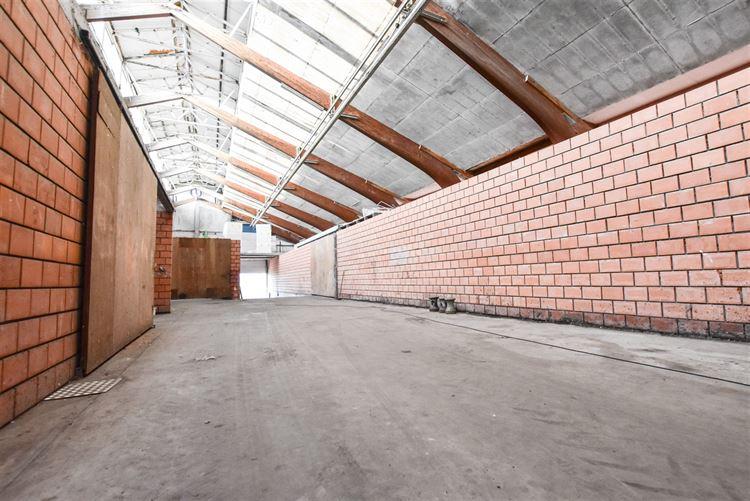 Entrepôt à 7700 MOUSCRON (Belgique) - Prix 230 €