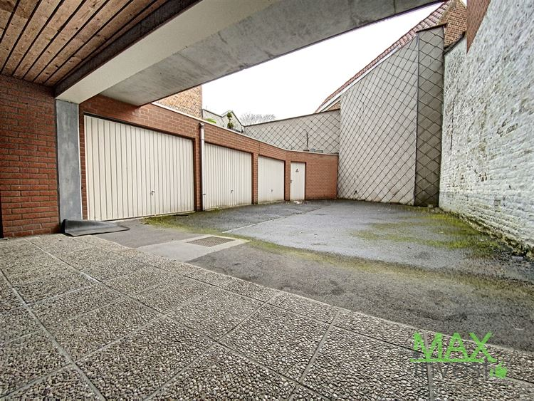 Parking/Boxe de garage à 7700 MOUSCRON (Belgique) - Prix 60 €